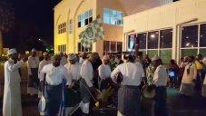 استقبال هواداران الاهلی عربستان از کاروان این تیم در فرودگاه مسقط قبل از دیدار با تراکتور