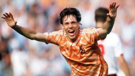 درچنین روزی؛ والی دیدنی فان باستن در فینال یورو 1988