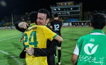 اشک شادی برزیلیها بعد از پیروزی بزرگ(عکس)