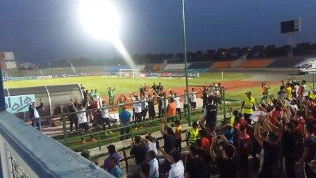 تشویق ایسلندی پدیدهایها در ورزشگاه شهر قدس