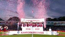 اهدای جام قهرمانی هلند به تیم آژاکس
