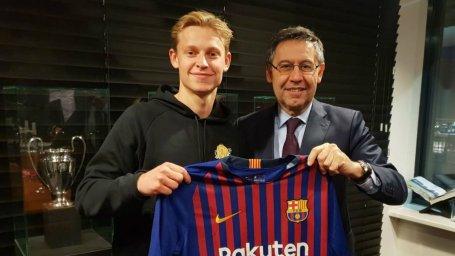 برای بازی در بارسلونا کمی استرس دارم
