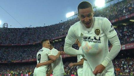 گل دوم والنسیا به بارسلونا (رودریگو)