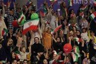 تشویق شدید بازیکنان تیم ملی والیبال قبل از بازی