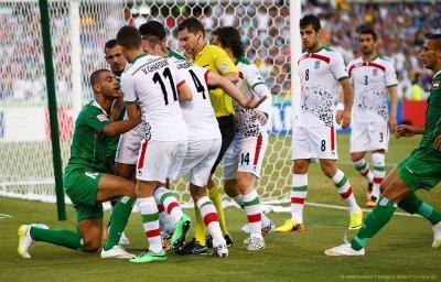 جواد نکونام : تیم ملی را به زور در برابر عراق حذف کردند!