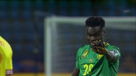 شوخی جالب علیفر با شوت بد بازیکن کامرون
