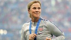 ترامپ قهرمانی زنان آمریکا را تبریک گفت