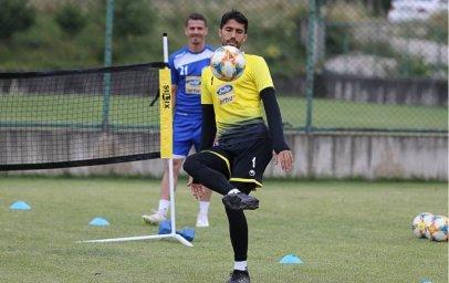 گلزنی حسینی از روی نقطه کرنر در تمرین امروز صبح