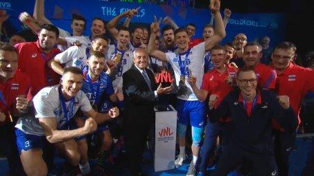 جشن قهرمانی تیم ملی روسیه در لیگ والیبال ملت ها