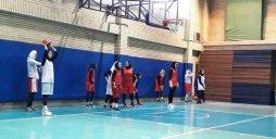 دیدار دوستانه تیم ملی بسکتبال بانوان با بهمن