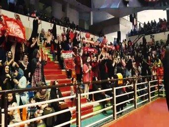 در حاشیه جشن خانوادگی تراکتور  در تبریز