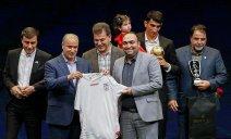 توضیحات تاج درباره توپ های لیگ و طرح لباس تیم ملی