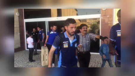 خروج تیم استقلال از هتل محل اقامت خود در مسجد سلیمان