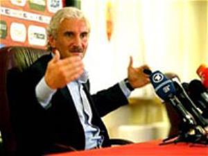 اسطوره فوتبال آلمان آماده همکاری با ایران