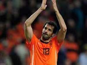 کری فوق العاده در زمین فوتبال با حضور فان نیستلروی