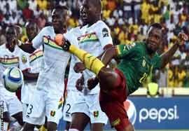 کامرون ۱-۱ گینه