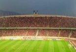 نورپردازی تماشاگران توسط فلش موبایل در بازی پرسپولیس-النصر