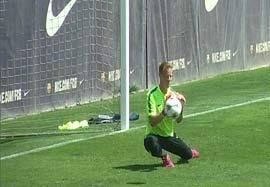 تمرین دروازه بان بارسلونا قبل بازی یوونتوس