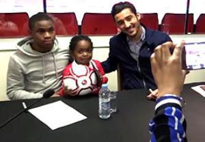 دیدار قوچان نژاد و یارانش با هواد اران کوچک چارلتون