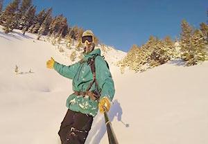 فیلم برداری سلفی از اسکی هیجان انگیز در کوهای برفی