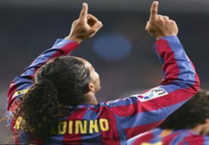 10 گل فوق العاده از رونالدینیو شاعر دنیای فوتبال