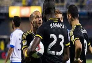 درگیری با هم تیمی برای زدن پنالتی در لیگ آمریکا