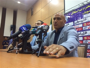 منصوریان: هرگز علیه برانکو حرف نمیزنم