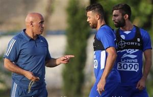 اولین کارت زرد منصوریان به بازیکنان استقلال