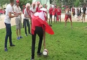 چالش خنده دار پنالتی بین هواداران سوئیس و لهستان