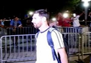 درخواست هواداران برای ماندن مسی