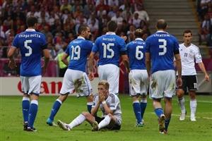 چرا استفاده از 2-5-3 در یورو جواب داد؟