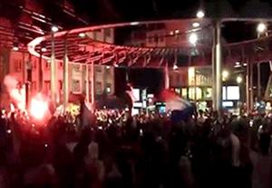 جشن فرانسوی ها در اطراف استادیوم پس از حذف آلمان