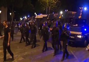 درگیری هواداران فرانسه با هواداران آلمان و پلیس