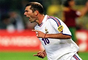 بازی خاطره انگیز فرانسه 2-1 پرتغال (یورو 2000)