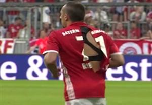 پاره شدن عجیب پیراهن ریبری در بازی مقابل منچسترسیتی