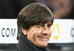 سرمربی تیم ملی آلمان: اوزیل حاضر نیست من را ببیند!