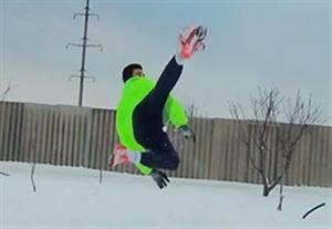 چالش زیبا و خنده دار در آب و هوای برفی