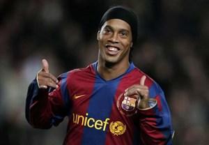 20 تکنیک جادویی و تماشایی رونالدینیو ; شاعر دنیای فوتبال