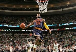 جذاب ترین حرکات و امتیازهای شب گذشته NBA