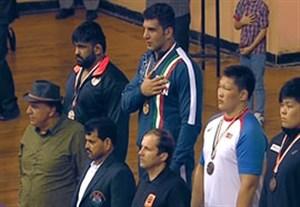 اهدای مدال طلای محبی در کشتی آزاد آسیا