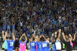درگیری و اعتراض هواداران به عملکرد بازیکنان استقلال