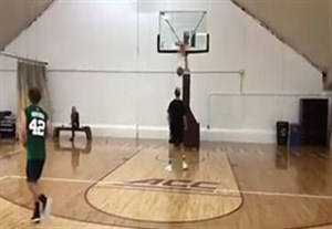 چالش هدفگیری داخل سبد بسکتبال با گریزمان