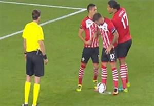 درگیری بازیکنان هم تیمی برسر زدن پنالتی