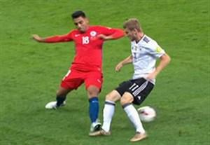 ویدیو چک در جریان بازی شیلی - آلمان به خاطر ضربه آرنج