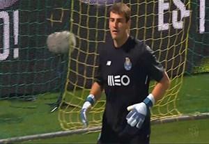 خلاصه بازی توندلا 0-1 پورتو (دروازه بانی کاسیاس)
