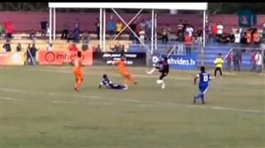 صحنه دلخراش مرگ فوتبالیست اندونزیایی روی تکل خشن