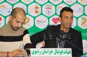 عنایتی: متاسفانه فوتبال ما فقط اسم حرفهای دارد