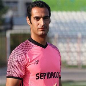 حسینی: میخواهند عجولانه جام را به یک تیم بدهند