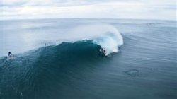 صحنه های زیبای موج سواری در سواحل هاوایی