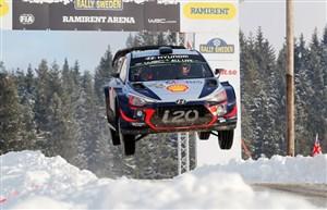 تصاویر زیبا از رالی قهرمانی جهان در هوای برفی سوئد